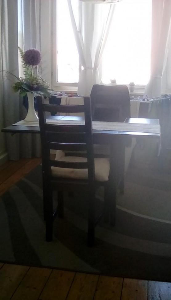Tisch Mit 2 Stühlen Zu Verschenken In Heidelberg
