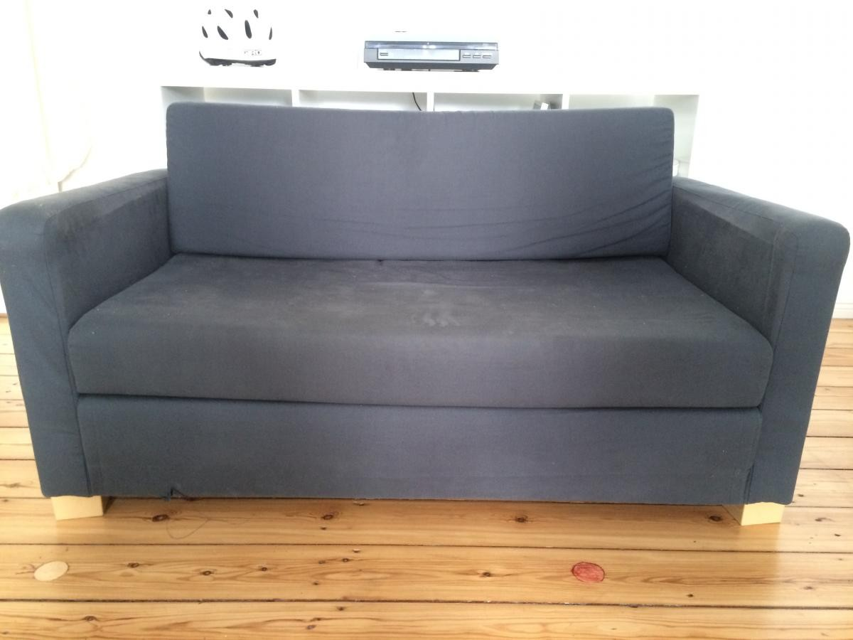2 sitzer couch zu verschenken zu verschenken in berlin free your stuff. Black Bedroom Furniture Sets. Home Design Ideas