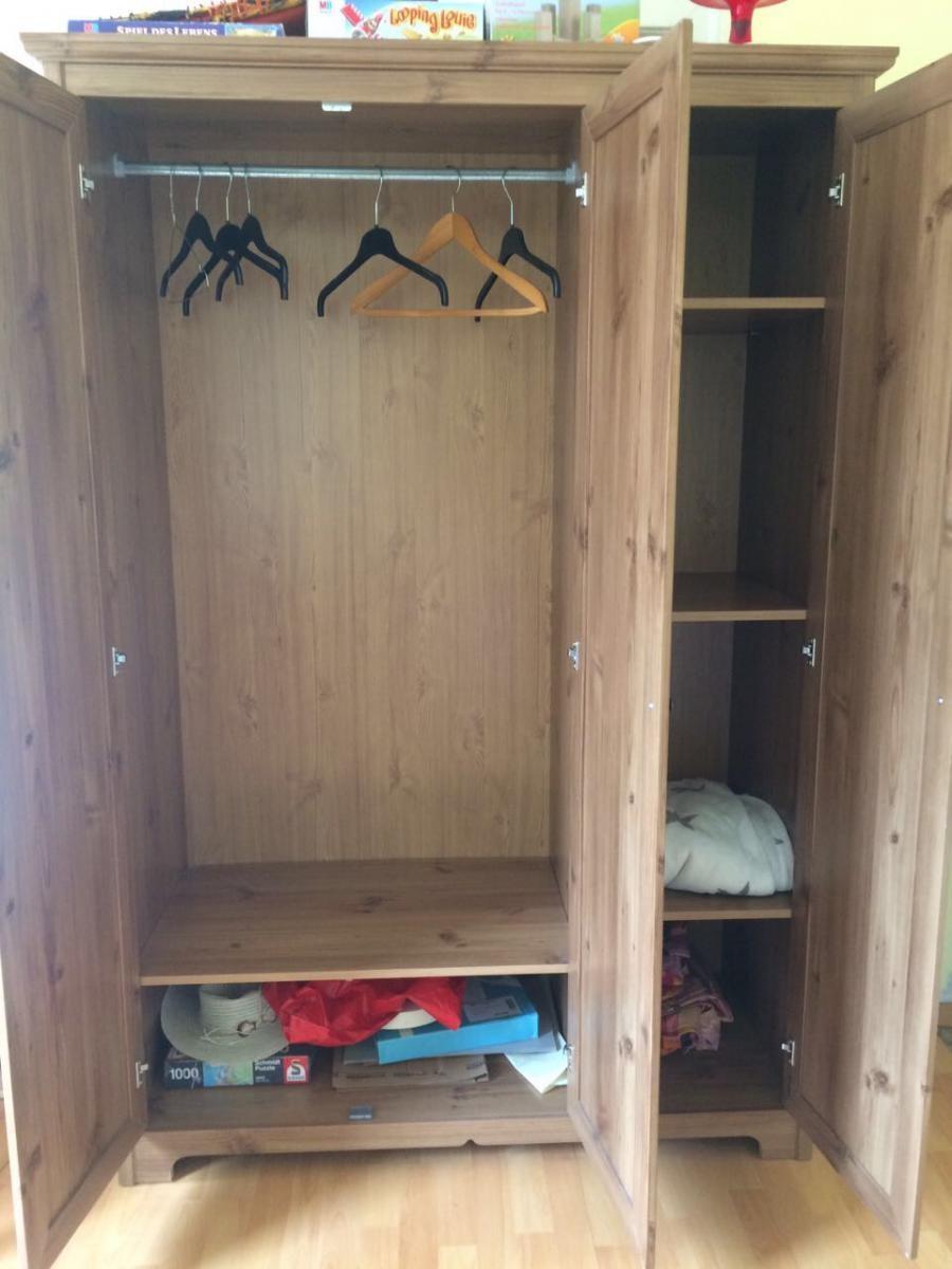 kleiderschrank in stuttgart s d zu verschenken in. Black Bedroom Furniture Sets. Home Design Ideas