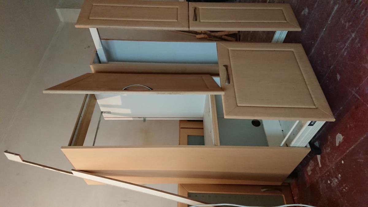 k hlschrank k chen h ngeschr nke zu verschenken in berlin free your stuff. Black Bedroom Furniture Sets. Home Design Ideas