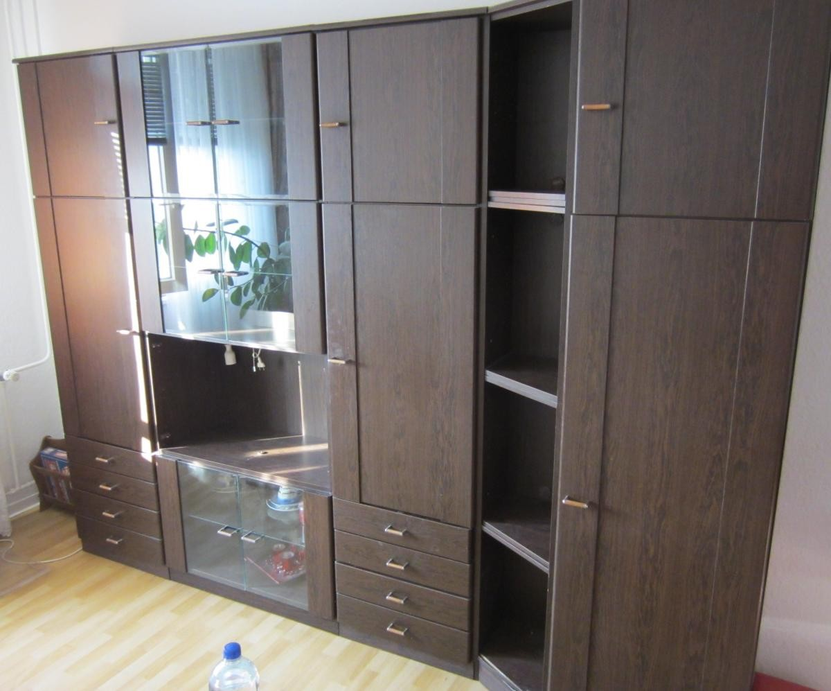 schrankwand wohnzimmer schrank zu verschenken in berlin free your stuff. Black Bedroom Furniture Sets. Home Design Ideas