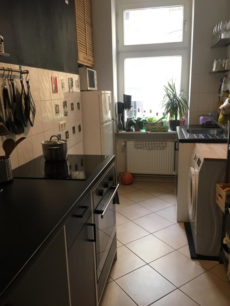 Küchenmöbel (Ikea, schwarz, ohne Elektrogeräte) zu ...