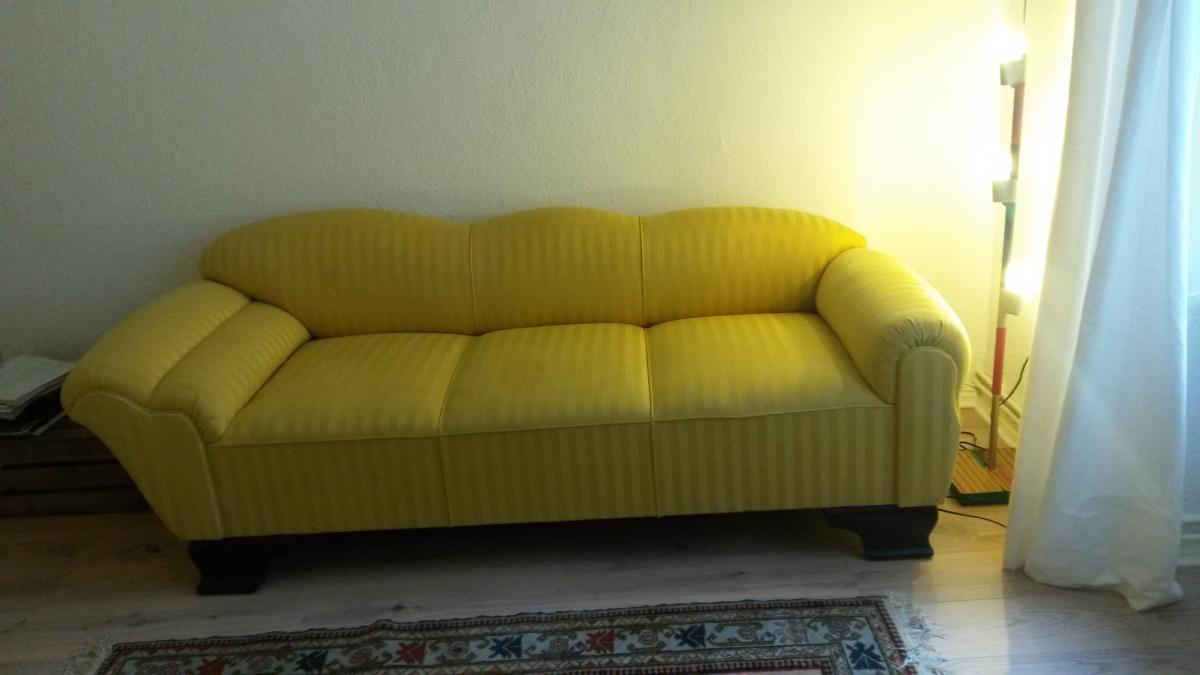 sofa gelb chic franz sischer stil zu verschenken in On sofa franzà sischer stil