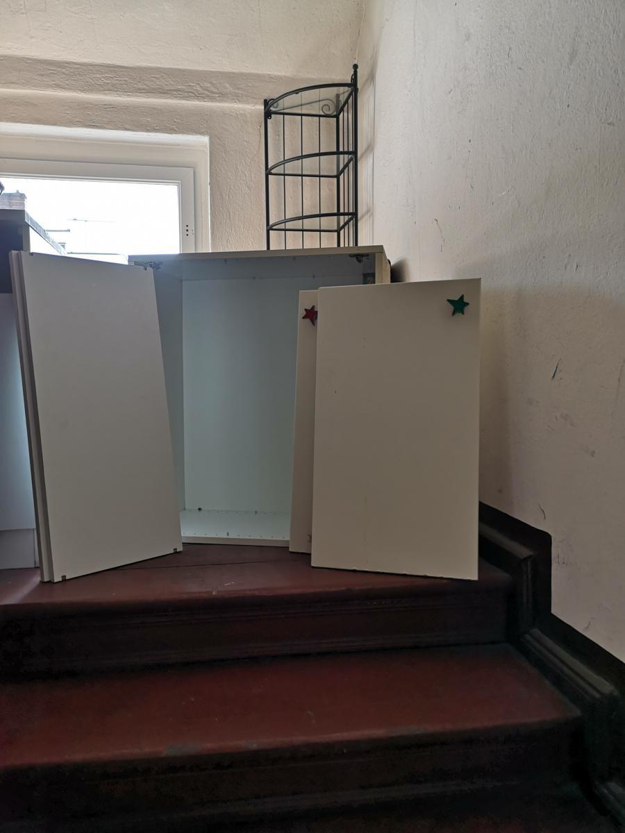 ikea k chenschrank zu verschenken in berlin free your stuff. Black Bedroom Furniture Sets. Home Design Ideas