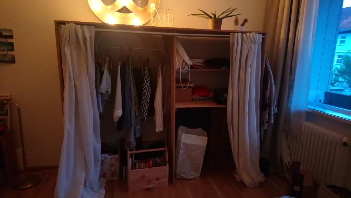 Selbstgebauter Kleiderschrank Zu Verschenken In Berlin