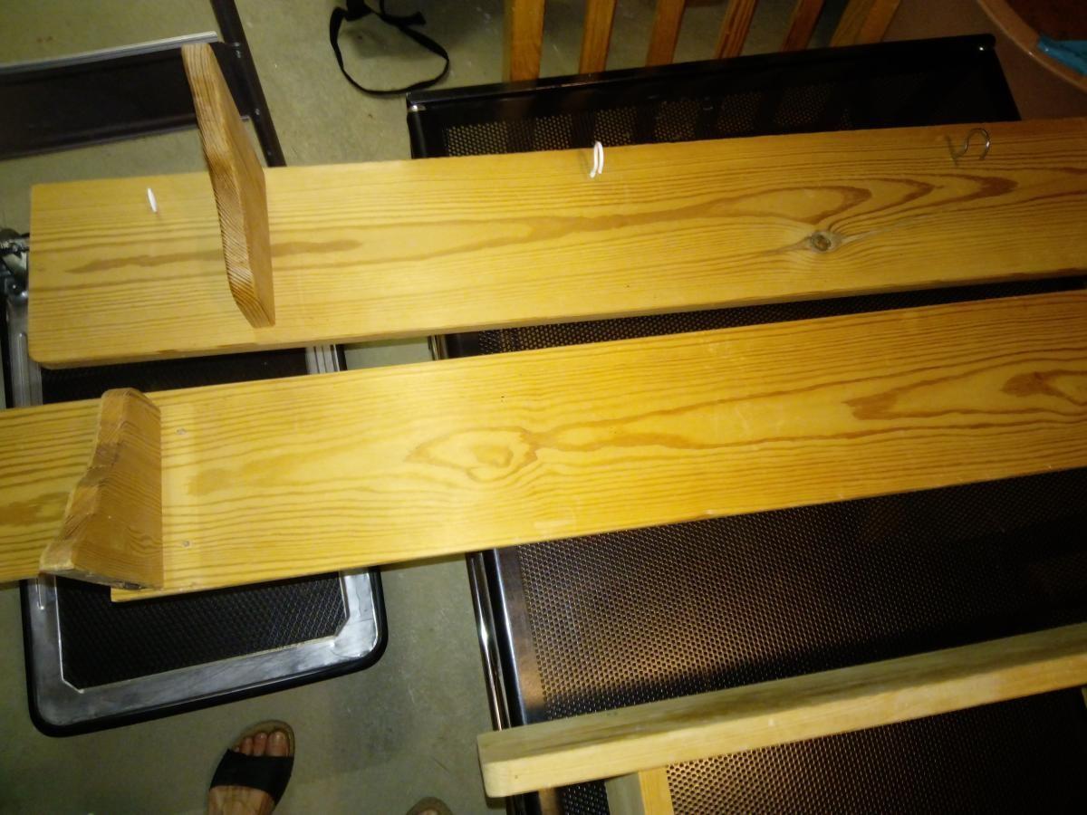 regal bretter affordable badezimmer hochschrank aus bambus tr und und offene fcher moderner. Black Bedroom Furniture Sets. Home Design Ideas