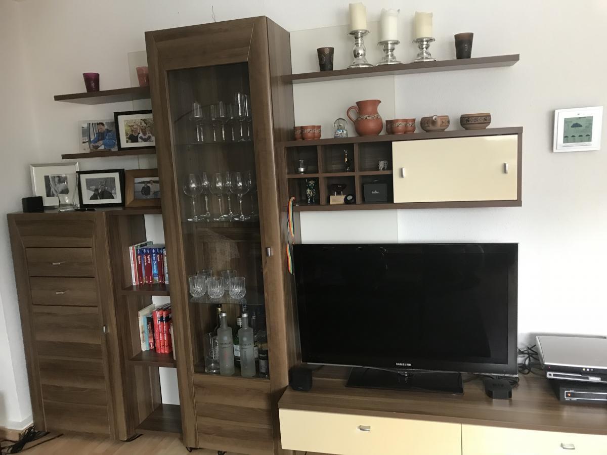 Ikea Bed Sofa Schreibtisch Kleine Schrankwand Fur Fernseher