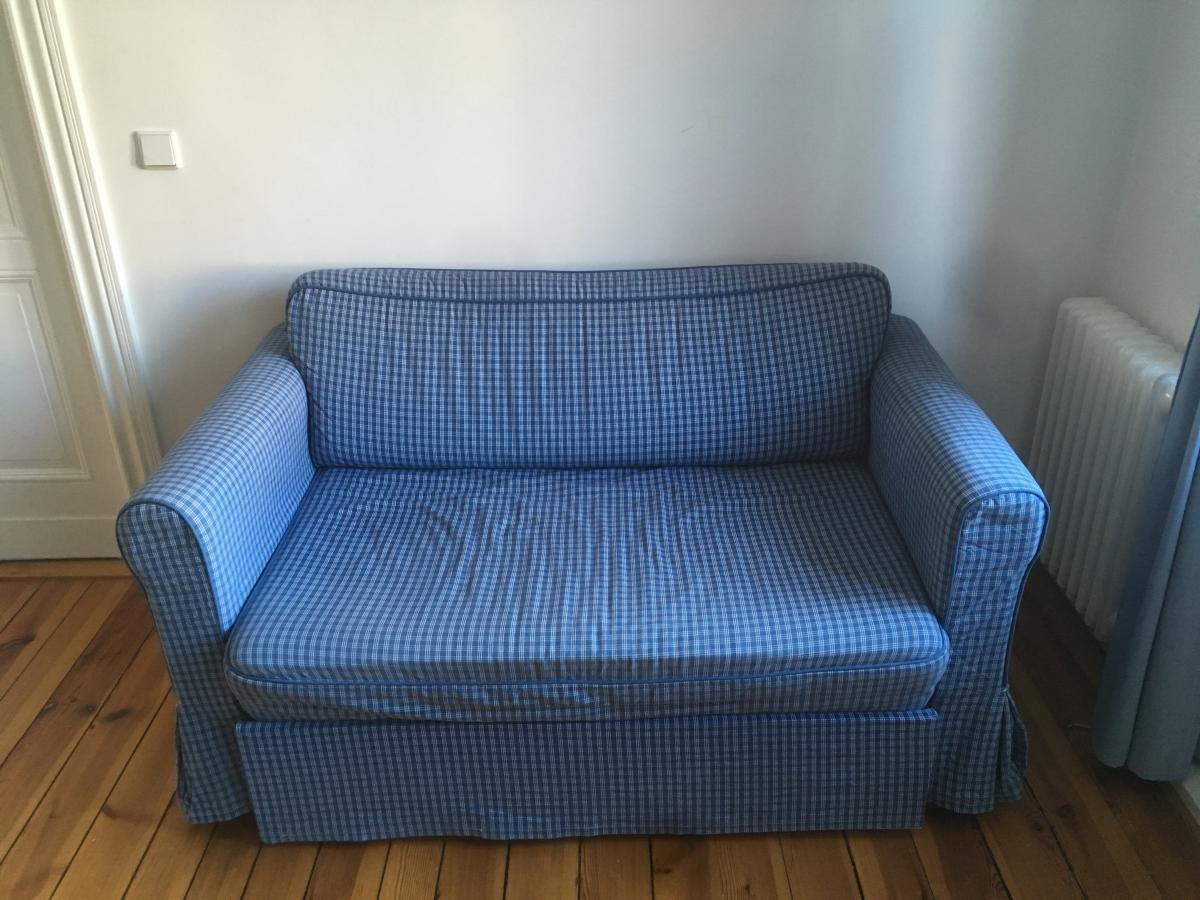 Blau-weißes Ikea Sofa (2er), ausziehbar zur Schlafcouch zu ...