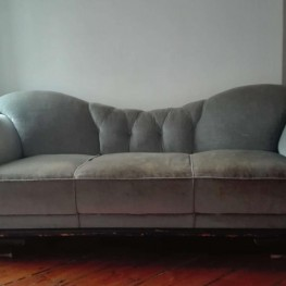 100+ Jahre altes Sofa