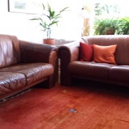 alte aber sch ne ledersofas zu verschenken in darmstadt free your stuff. Black Bedroom Furniture Sets. Home Design Ideas