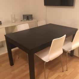 Vier weiße Stühle GILBERT von IKEA abzugeben