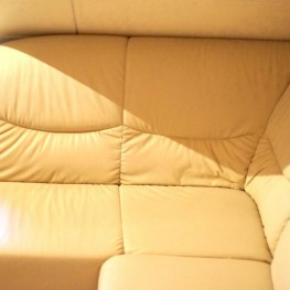 beiges Sofa 1