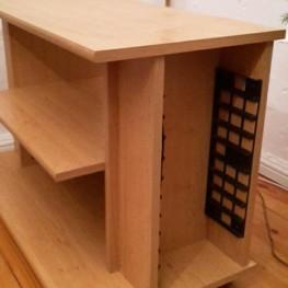 TV-Tisch (rollbar) abzugeben 1