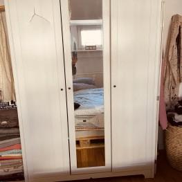 Kleiderschrank mit Spiegel von Ikea