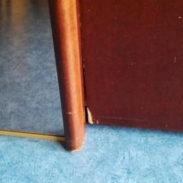 Schwebetürenkleiderschrank mit großem Spiegel, mahagonifarben 2