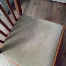 Stuhl 2