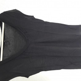 Schwarzes T-Shirt V-Ausschnitt