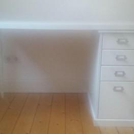 Ikea Schreibtisch zu verschenken!  2