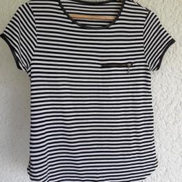 schwarz- weiß gestreiftes T-shirt mit Reißverschluss