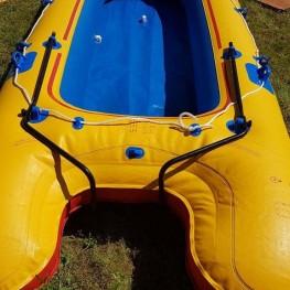 Schlauchboot groß. Spaß für Familie und Freunde. 1