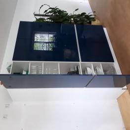 Grosser Küchenschrank 3 -türig 1