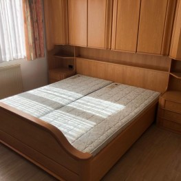 Neuwertiges Schlafzimmer 2x4 Meter