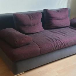 Schönes Sofa mit Schlaffunktion zu verschenken