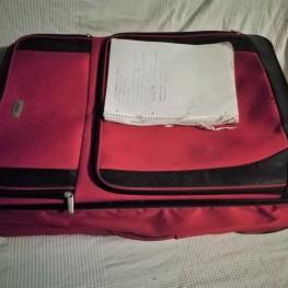 Großer roter Koffer