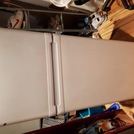 Kühlschrank mit Eisfach zu verschenken für Selbstabholer 1